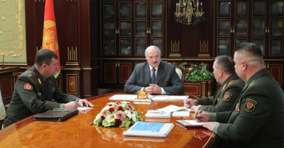 Lukashenko meets with security officials to discuss Armed Forces, NATO exercise