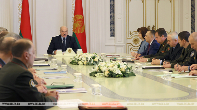 Lukashenko convenes meeting to discuss security during presidential election